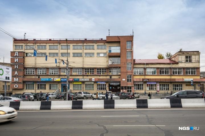 Спорткомплекс «Динамо» давно потерял изначальный вид, но остаётся ценным зданием для знатоков