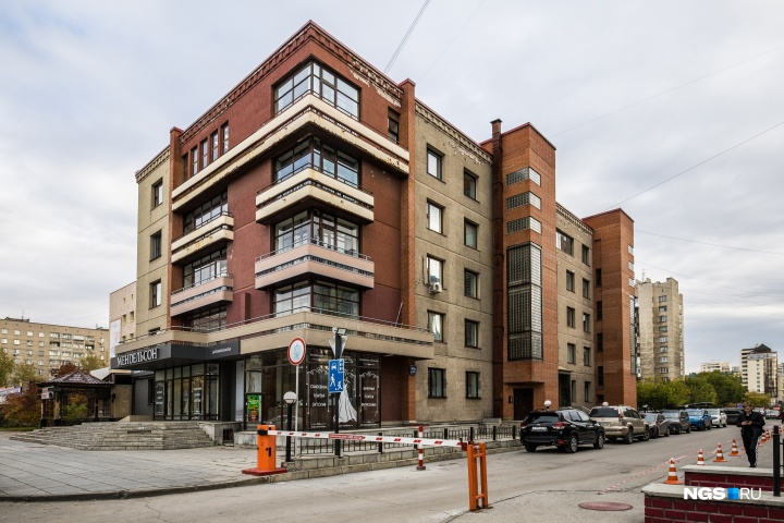 Здание на Ядринцевской, 46А — пример точечной застройки, какой она должна быть в идеале