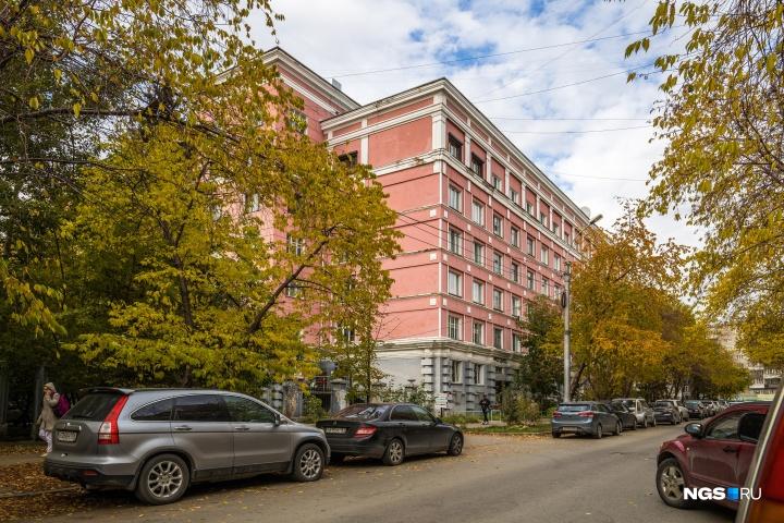 Дом на улице Урицкого, 37 сегодня мог бы считаться элитным