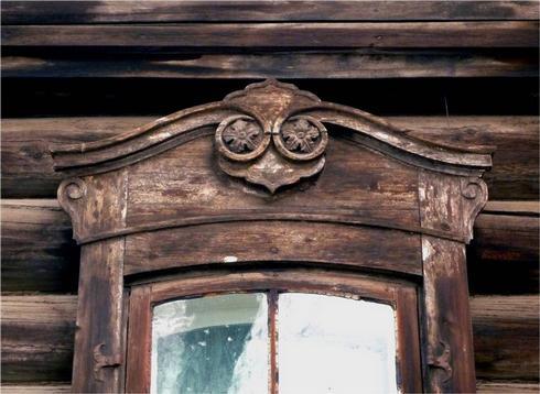 Ценность декоративного убранства фасадов деревянных домов не способна перевесить стоимости земли под ними