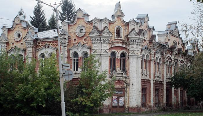 Сотни памятников культуры продолжают разрушаться в алтайских городах